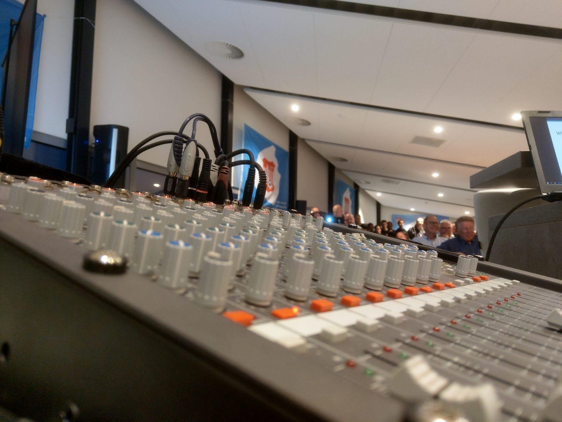 Lezing geluid IMAG0079 scaled - Licht en geluid